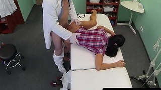 Patient fingers nurse before doctor fucks pussy